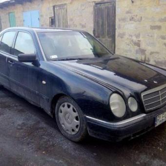 Авто по запчастям Mercdes w 210 2.2 дизель 1997г