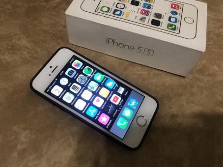 Айфон 5с золото