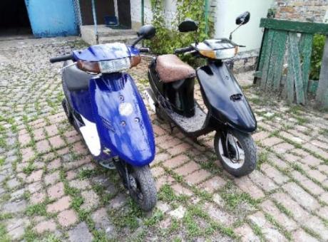 Продам 2 скутера сузуки сепия