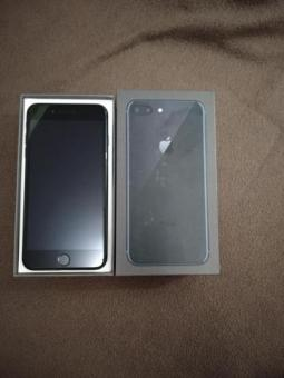 Айфон 8+ на 64 гб